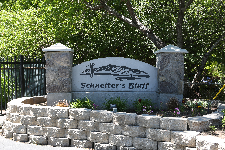 Schneiter's Bluff Front Gate